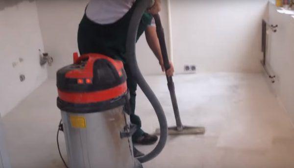 Очищаем пол