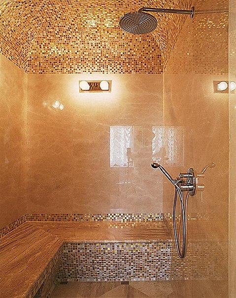 Мозаика на потолке в ванной комнате