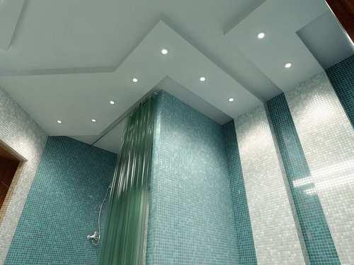 Подсветка в подвесном потолке в ванной