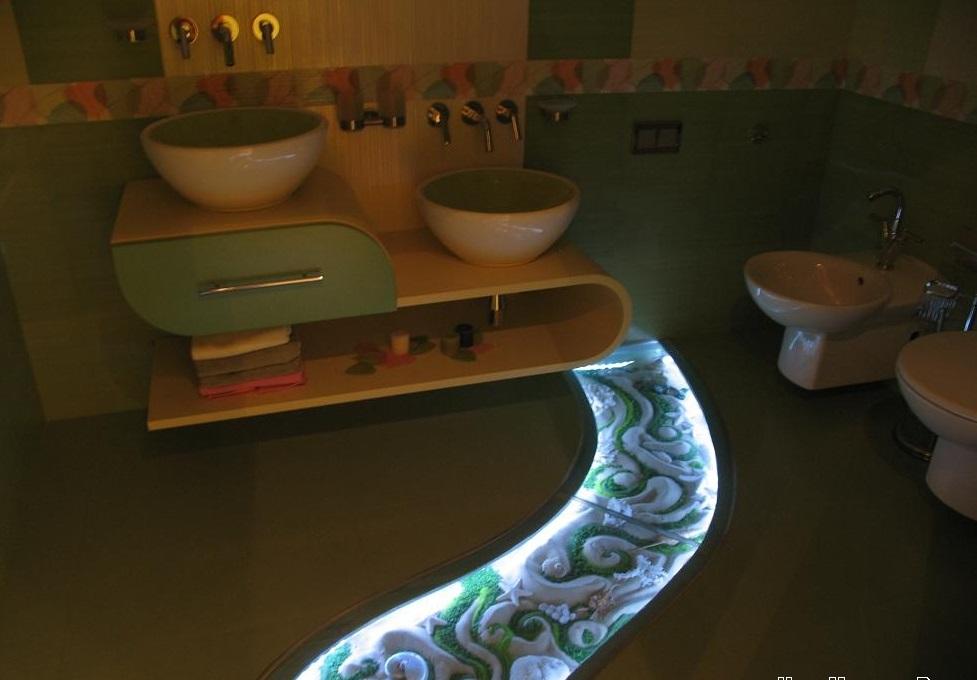 Подсветка в полу в ванной комнате
