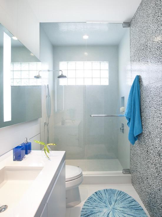 аксессуары в маленькой ванной