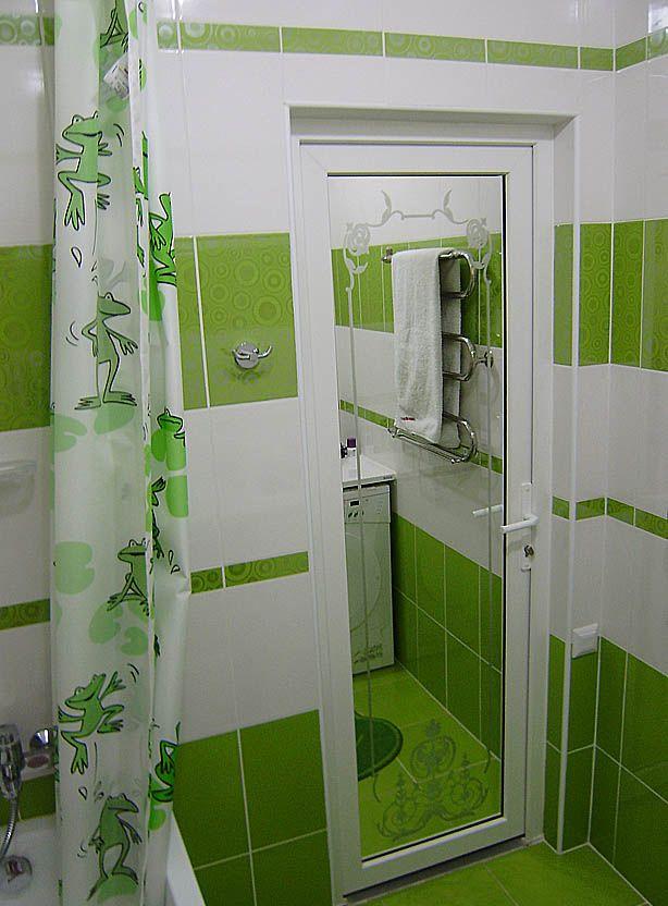 декор двери в ванной зеркалом