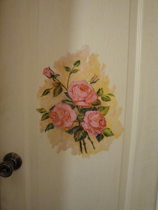 Декупаж на двери ванной комнаты
