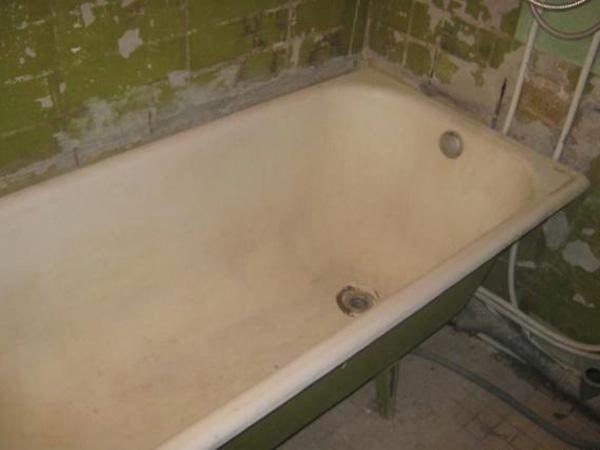 замена старой чугунной ванный