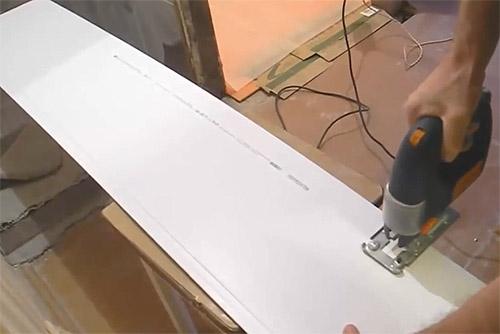 Резка пластиковых панелей своими руками 17
