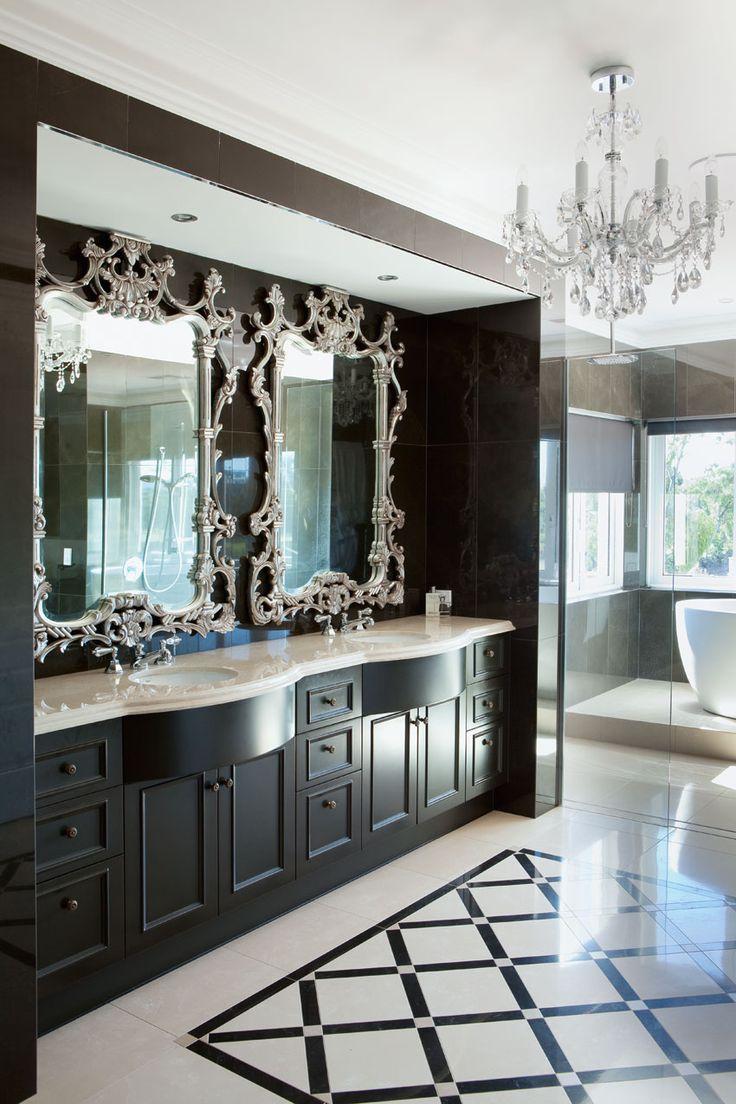Черно-белая ванная в классическом стиле