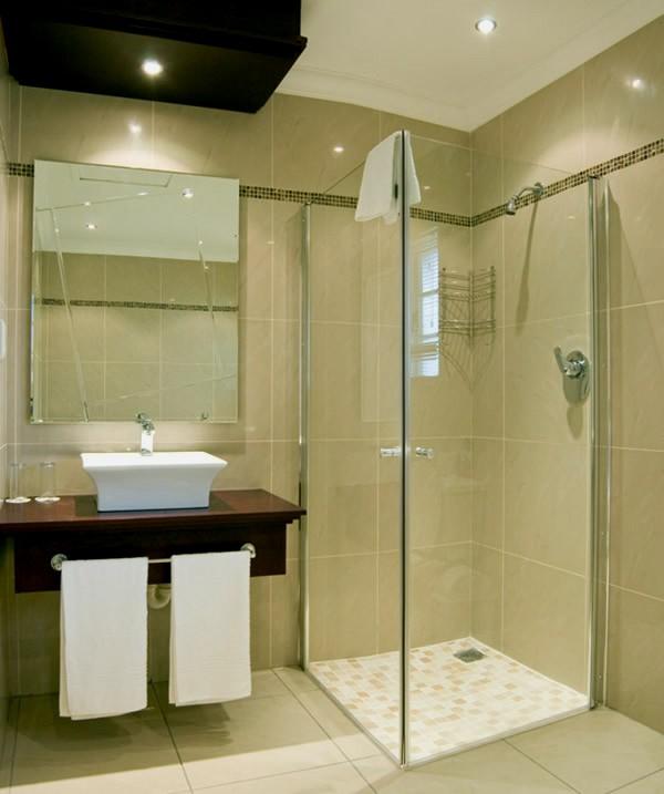 Дизайн небольшой ванной с душевой кабинкой