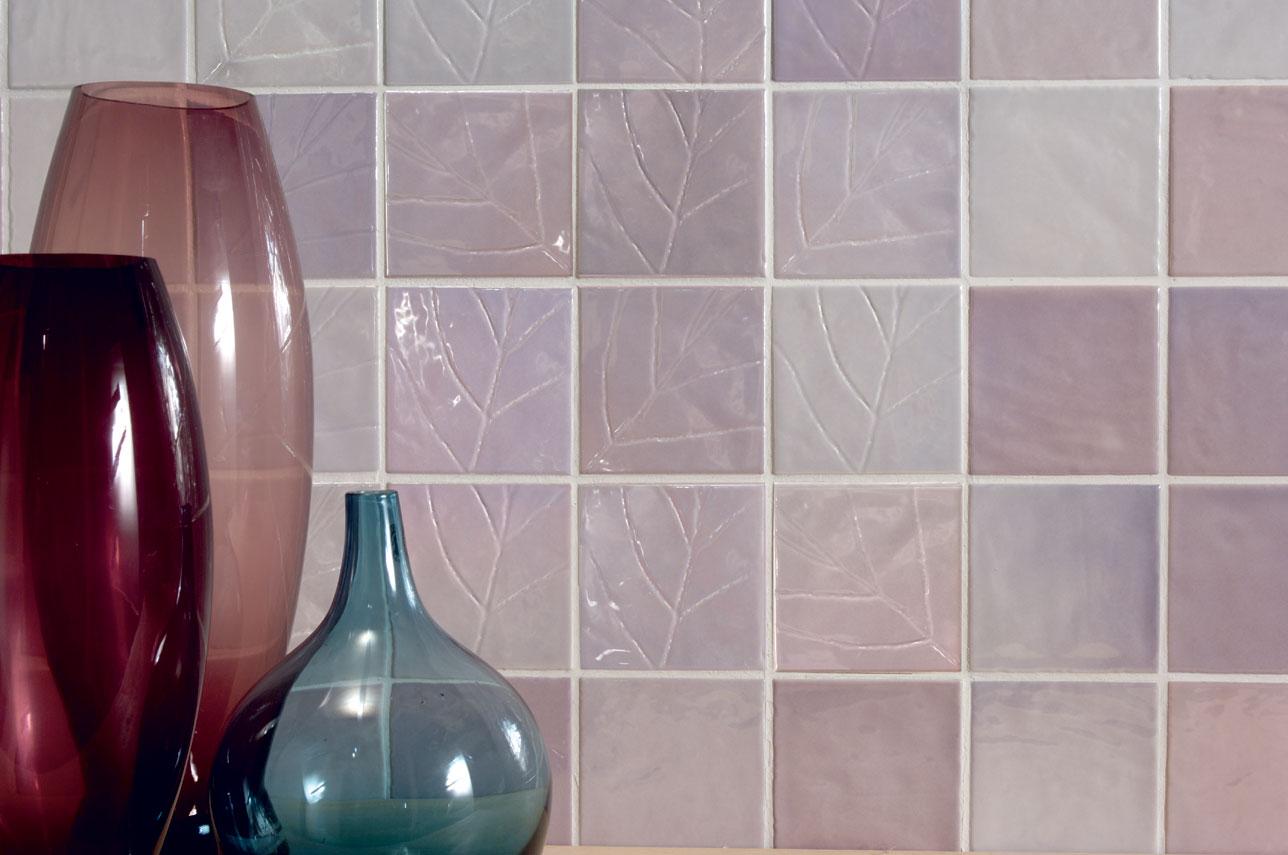 Керамическая плитка с тиснением