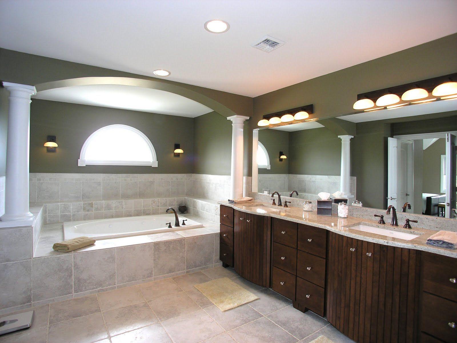 Комбинированное освещение большой ванной