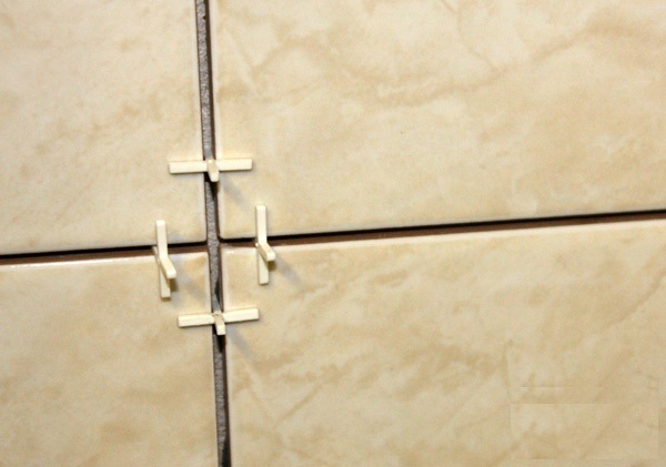Крестики между плиткой