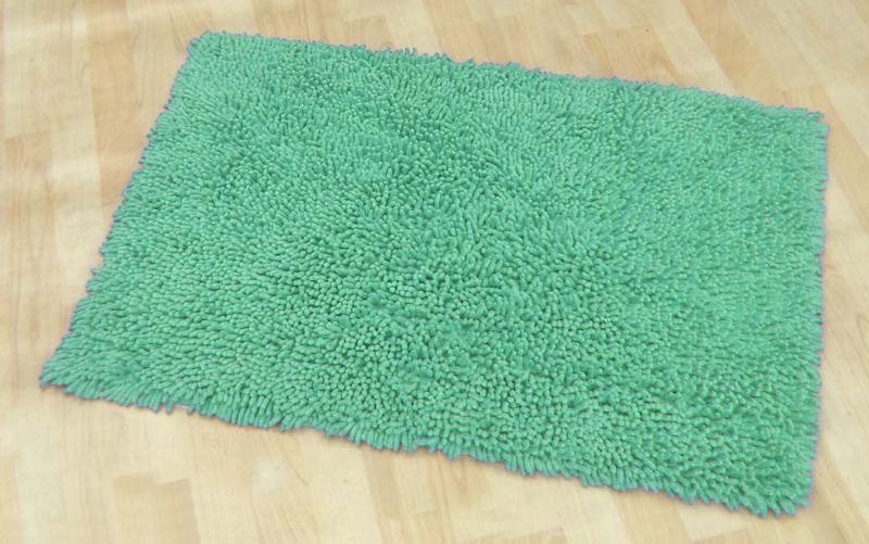 Мягкий зеленый коврик для ванной