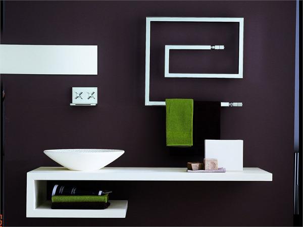Оригинальный полотенцесушитель в современном дизайне ванной комнаты