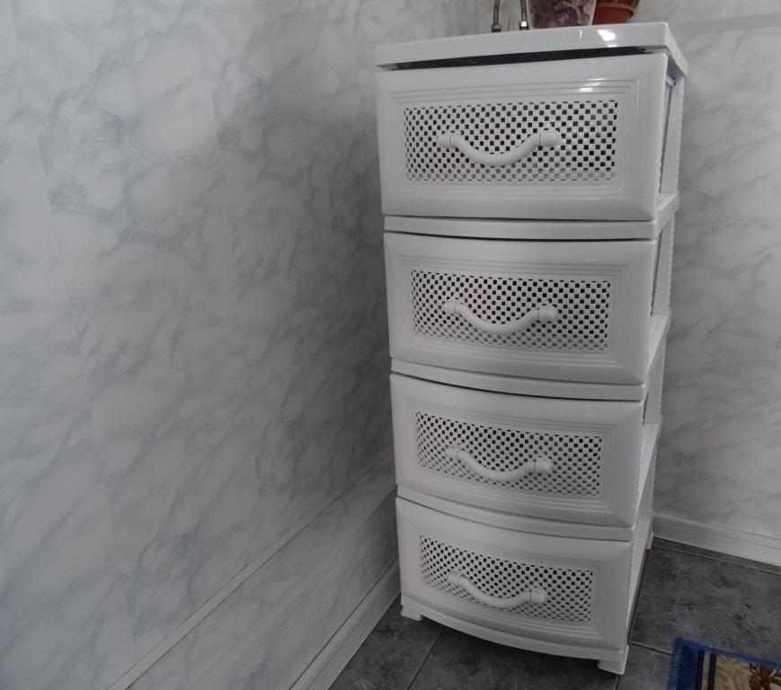 Пластиковый комод с ящиками
