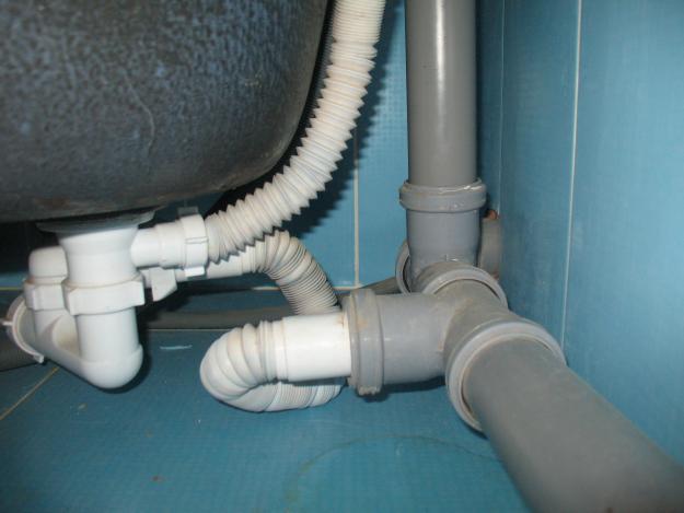 Подсоединения сифона к канализации