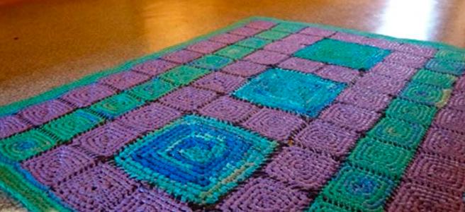 Половик из разноцветных мешочков