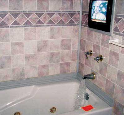 Самодельный телевизор в ванной