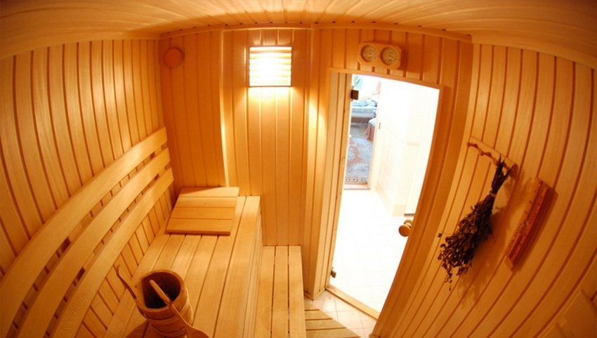 Стационарная сауна в ванной в квартире
