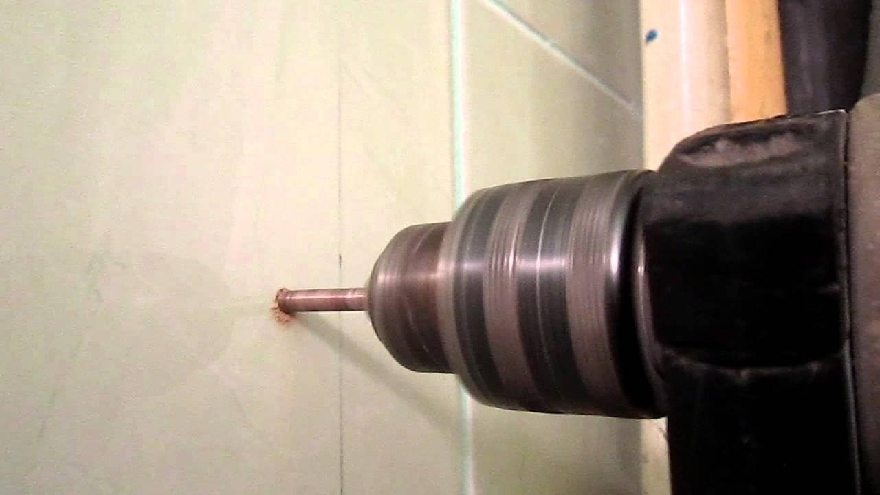 Сверление плитки на низких оборотах