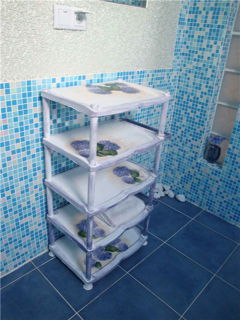 Удобная пластиковая этажерка