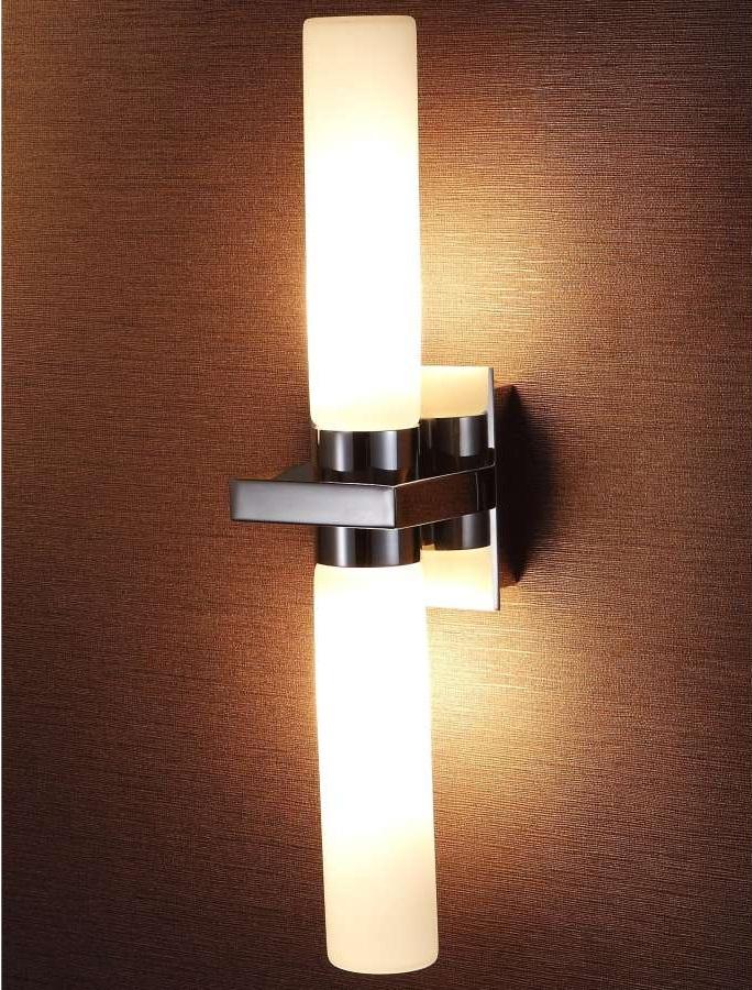 Вертикальный настенный светильник