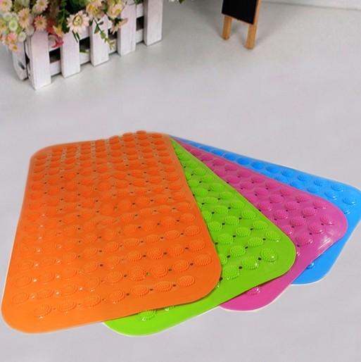 Яркие коврики для ванной