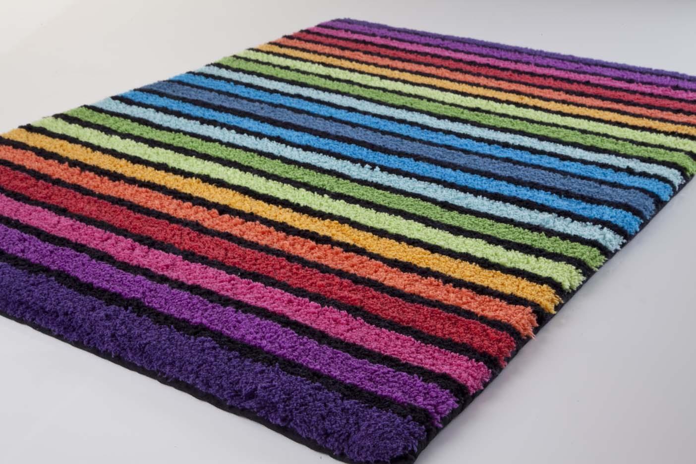 Яркий коврик для ванной комнаты