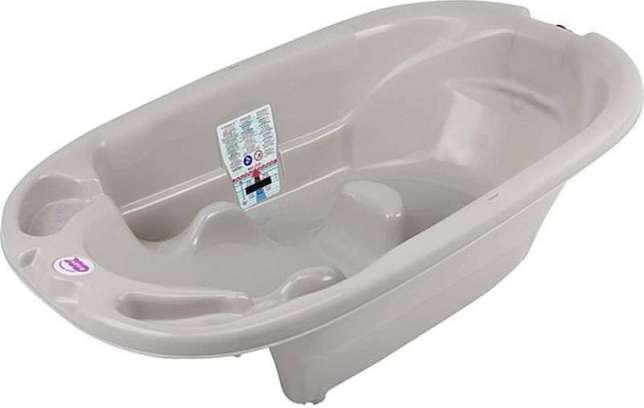 Анатомическая детская ванна ok baby onda со встроенным термометром