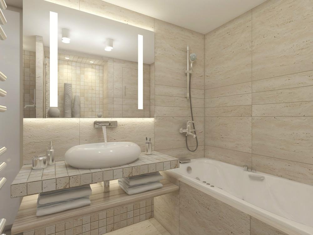 Большое зеркало в бежевой ванной комнате