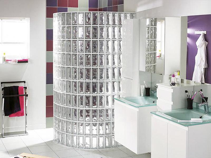 Интерьер ванной из стеклоблоков