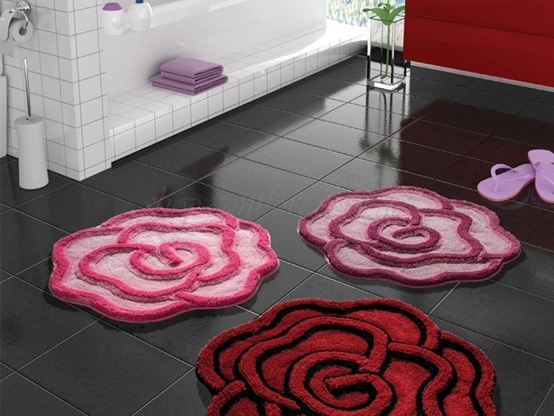 Коврик в ванную розовый