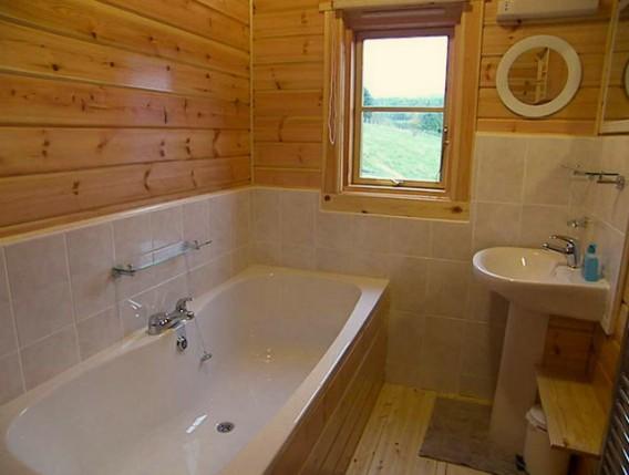 Отделка ванной деревянного дома