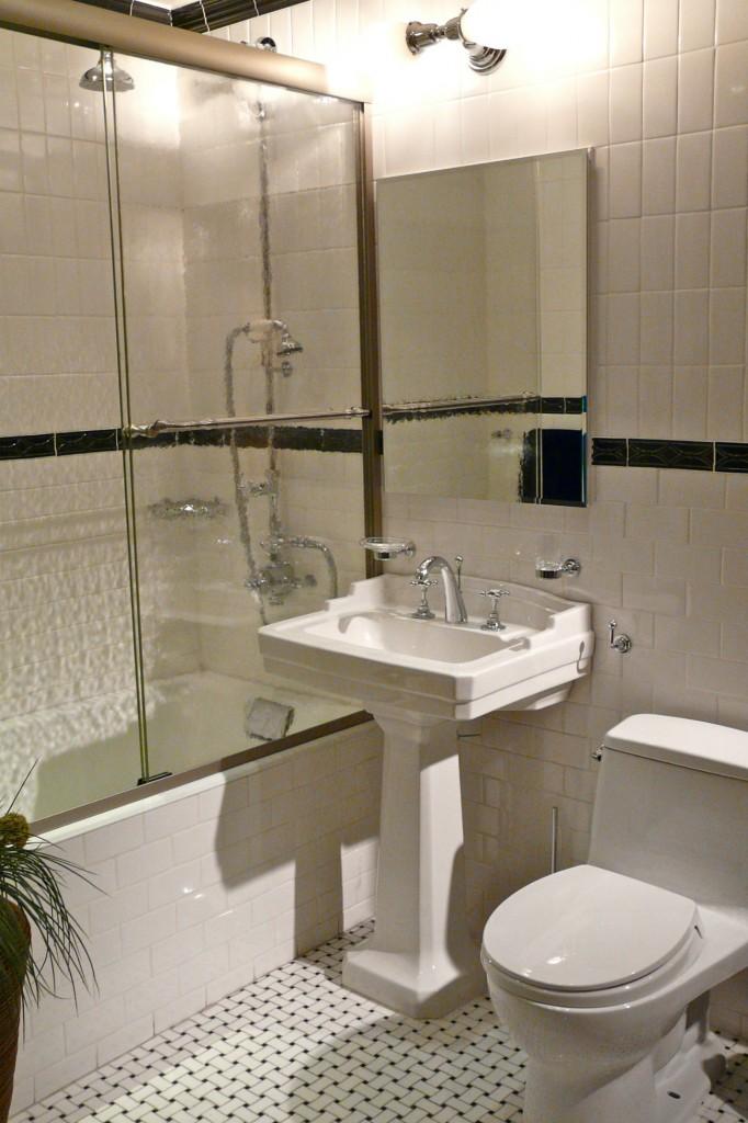 Раковина тюльпан в ванной комнате