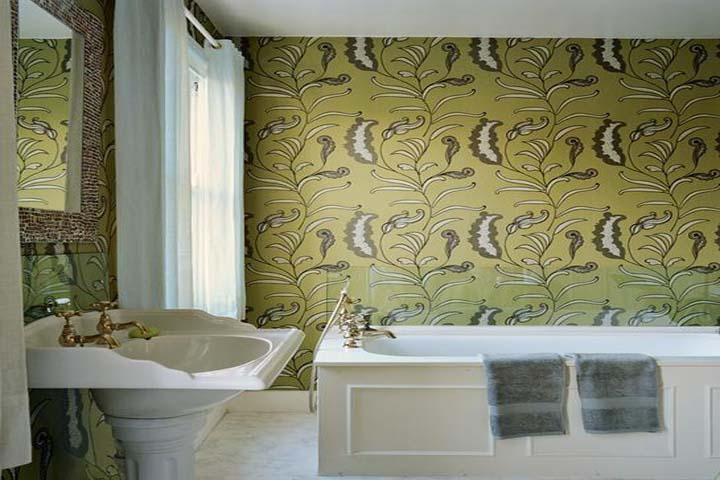 Самоклеящаяся пленка на стенах в ванной комнате