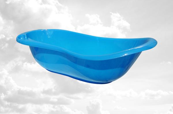 Синяя пластиковая ванночка
