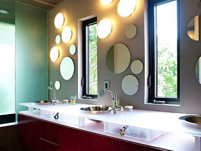 Сочетание зеркал и светильников
