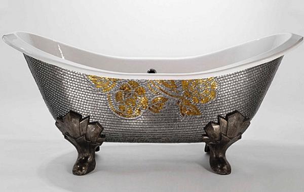 Декорированная чугунная ванна
