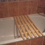 Деревянная решетка в ванную комнату