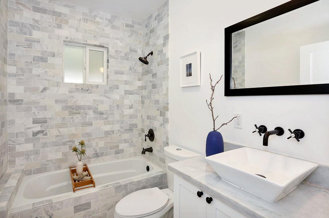 Горизонтальные полоски на стенах сделают комнату шире, а вертикальные подойдут если у вас низкие потолки