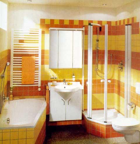Кроме дизайнерских приёмов придётся использовать малогабаритную сантехнику, которая выпускается специально для маленьких ванн