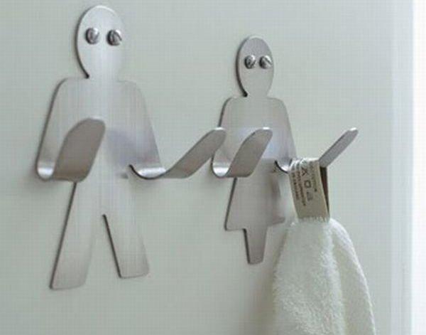 Открытый способ установки вешалки для полотенец в ванной