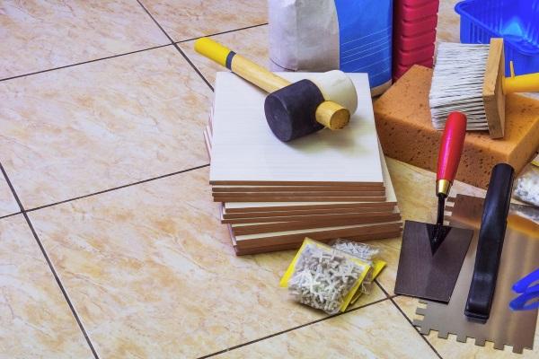 Плитка и инструменты