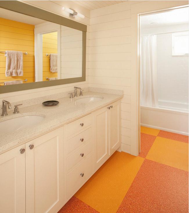 Линолеум в ванной легок в уборке