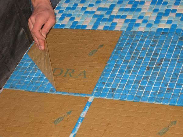 Мозаика на бумажной основе для ванной