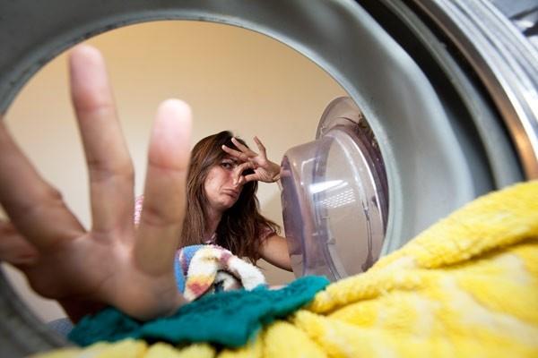 Плохой запах из стиральной машинки