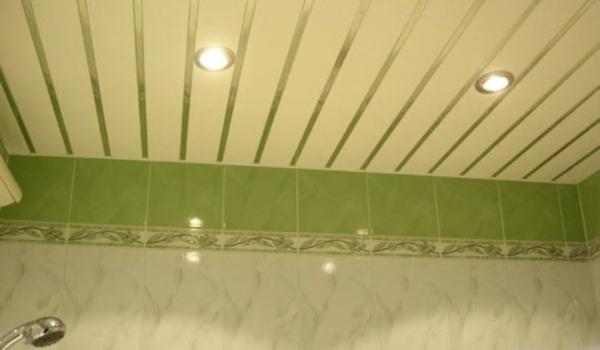 Реечный зеленый потолок