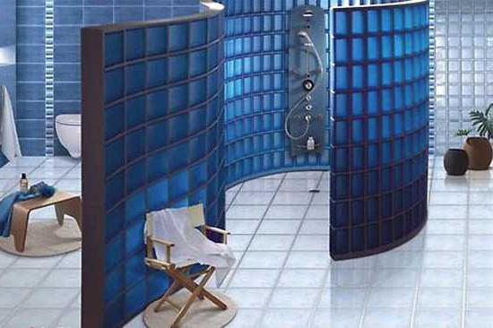 Стеклянные блоки для перегородок в ванной