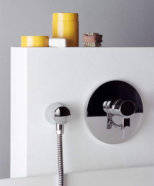 Встроенный смеситель для душа в ванную