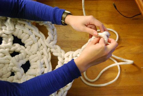 Коврик для ванной из бельевой веревки