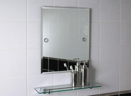 Квадратное зеркало для ванной