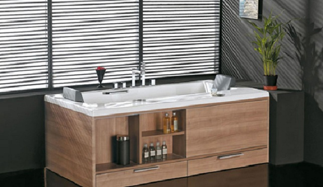 Многофункциональный экран для ванной